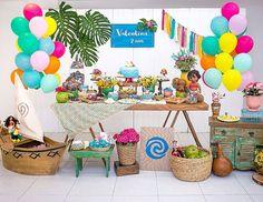 """248 curtidas, 13 comentários - Melancia (@melanciafazafesta) no Instagram: """"Moana leve e colorida, alto astral como toda a família da Valentina! 🌺 @blogdicasdanati 💚…"""""""
