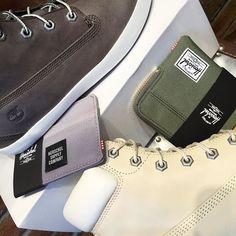 Starting the new week with clean #palettes . #timberland #brattleboro #comfort #springfashion #shoepic #herschelsupply #accessories #cleanslate #womensfashion #boots #classic #shopeslavida #wherepamperedsolesgo