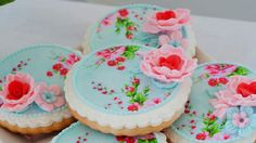 15 of the Prettiest Cookies Ever to Serve at Your Next Tea Party