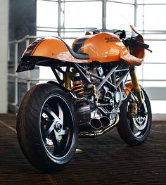 Ducati #caferacer by Redmax Speedshop #motorcycles #motos | caferacerpasion.com