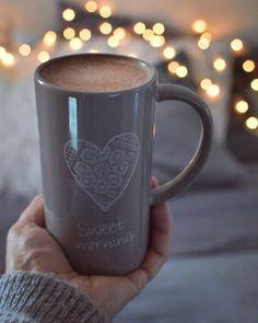 Dzień dobry w ostatni styczniowy poranek. Miłego dnia Kochani!... #happymorning #homesweethome #hotchocolate #cacao #kubekkakao #instagram #instahome #nikon📷 #d7100 #35mm #homeandyou