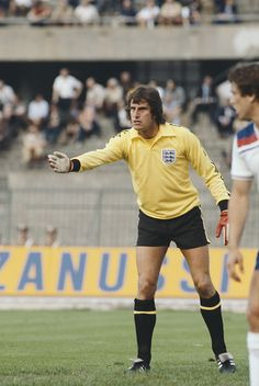 English professional footballer and goalkeeper with Liverpool Ray Clemence pictured in goal for the England national football team in the UEFA Euro. England National Football Team, England Football, National Football Teams, Retro Football, Football Kits, Vintage Football, Ray Clemence, Tottenham Hotspur Football, England International