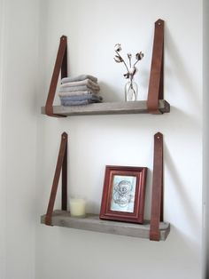 Shelves Pallet Pallet shelves with leather straps - If you are looking for ways to spruce up your small bathroom, then these 15 DIY space-saving bathroom shelving ideas are just for you! Space Saving Bathroom, Small Bathroom, Bathroom Storage, Bathroom Shelves, Storage Shelves, Bathroom Ideas, Beton Design, Diy Casa, Pallet Shelves