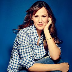 Jennifer Garner: The SL Photoshoot |  If Jennifer Garner seems like the real deal, it's because she is. And that's thanks to her mama, Patricia, who raised Jen and her sisters with good Southern values in West Virginia.