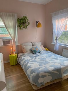 Room Design Bedroom, Room Ideas Bedroom, Study Room Decor, Pastel Room Decor, Pastel Bedroom, Look Wallpaper, Deco Studio, Aesthetic Room Decor, Cozy Room