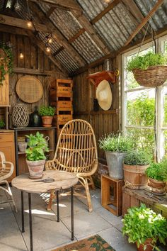 kuva Cafe Interior Design, Cafe Design, Interior Decorating, Bamboo House Design, Tiny House Design, Rest House, House In The Woods, Thai House, Coffee Shop Design