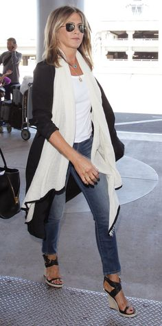 Jennifer Aniston in Burberry sandals