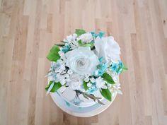 gumpaste flower white and turquoise  Sugarpaste Blumen weiß und türkis Wedding Pie Table, Sugar, Flowers, Ideas