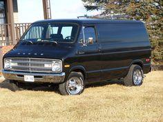 1977 Dodge Vintage Vans, Vintage Trucks, Dodge Van, Day Van, Panel Truck, Cool Vans, Boogie Woogie, Van Living, Dodge Trucks