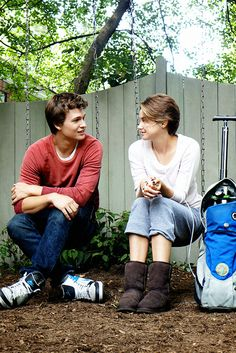 Shailene Woodley and Ansel Elgort (Hazel Grace and Augustus Waters in The Fault of Our Stars)