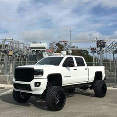 """If you' were to define the phrase """"truck"""" in one word, what might it be? If your word is synonymous with function, utility, or use you're probably a truck guy. Gmc Trucks, Lifted Cars, Lifted Chevy Trucks, Cool Trucks, Pickup Trucks, Jacked Up Chevy, Truck Drivers, Chevrolet Silverado, Chevy 4x4"""