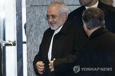 핵협상 마치고 나오는 이란 외무장관