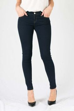 Melina Rinsed Wash Jeans by LTB have a classic skinny leg. These woman's jeans have a low rise fit and and are super slim. Ankle Length. Features five pockets, zip fly, and using premium stretch denim. Comes in ink.