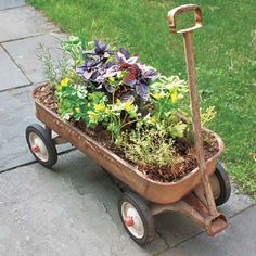 We love this wagon-garden seen at This Old House. This Old House, Herb Planters, Garden Pots, Planter Pots, Garden Bed, Balcony Garden, Planter Ideas, Easy Garden, Container Gardening