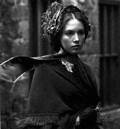 """ADÈLE H. François Truffaut """"Adèle H., o Adèle Hugo, la filla del gran Victor Hugo, que compra papers i més papers a la llibreria de Halifax per escriure el seu diari íntim."""" http://www.nervi.cat/adele-h/"""
