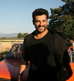 I like this smile😍 Turkish Men, Turkish Actors, Burak Ozcivit, Mix Photo, Cute Stars, Second Best, Best Model, Classic Outfits, Model Agency