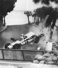 Innes Ireland - Lotus 24 BRM P56 - British Racing Partnership - XXII Grand Prix Automobile de Monaco - 1964 World Championship for Drivers, round 1