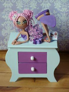 Commode Bijoux http://artdecreer2012.wix.com/astride
