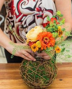 A DIY tutorial on how to make hanging living terrariums! Flower Decorations, Table Decorations, Diy Hanging, Wire Crafts, Handmade Flowers, Grapevine Wreath, Grape Vines, Diy Tutorial, Fundraising