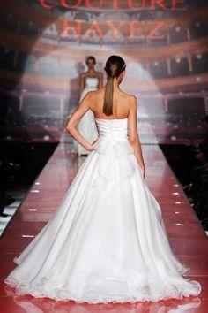 http://www.couturehayez.com/blog/wp-content/uploads/2012/09/3-Audrey-sposa-duchesse.jpg