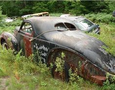 Hot Rod Lady_'38 Lincoln Zephyr. God this makes me sad. The money this car could be worth.