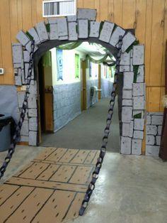 diy medieval decorations | Kingdom Rock draw bridge & chain (cardboard and paper chain)