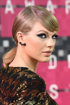 Here Are All The Taylor Swift References On One Direction's New Album