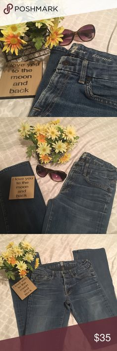 7 FAM Kimmie Jeans 7 for all Mankind Kimmie jeans. Size 26. Excellent used condition! These are adorable,comfortable jeans with a good stretch to them! 💥Open to all offers! 💢Bundle with 2 or more items for discounted price and save on shipping! 7 For All Mankind Jeans