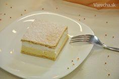 Tento koláč je hotová závislosť! Zvyčajne ho pripravujeme na sviatky a rodinné akcie, pretože žiaden člen rodiny si ním nedovolí opovrhnúť :)