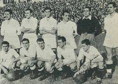 1949- De pie, de izquierda a derecha: Ipiña, Alday, Huete, Mardones, Marzá y Arzanegui. Agachados, en el mismo orden: Botella, Chus Alonso, Alday, Lecue y Alsúa I.