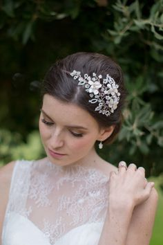 Hermione Harbutt May Blossom Mini Headdress. Vine headdress of petal pearl flowers nestled amongst delicate branches of Swarovski, moonstone and pearl tendrils. Perfectly suited for both loose and structured hairstyles. Image by Catherine Mead.