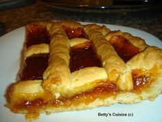 My Mom used to make Pasta Flora and I absolutely love it! Greek Sweets, Greek Desserts, Greek Recipes, Sweets Recipes, Wine Recipes, Cooking Recipes, Vegan Recipes, Sweet Pie, Sweet Tarts