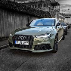 Who would have thought that wearing a tent would look that sharp:  #Audi #RS6 in…