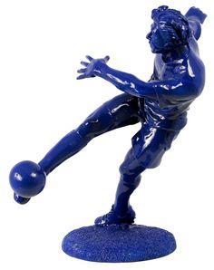 Cód. 107.092 - Estátua Jogador De Futebol Azul Fullway - 30x28x22