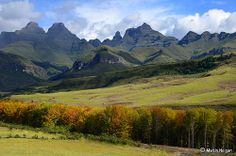"""View of """"Cathedral Peak"""" Drakensberg Mountains KwaZulu -Natal, South Africa Photo by Martin Heigan South Afrika, Namibia, Kwazulu Natal, Paradise On Earth, Out Of Africa, Mountain Landscape, Beautiful Places To Visit, Wild Nature, Live"""