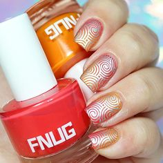 Geometric nail art design!❤️ 🔸Geo Lover 02 Stamping Plate and Stamper Luxury by @pueencosmetics 💗 #pueencosmetics . 🔸Flip Flop and Beach Chic by @fnug_official 💙 #fnug . 🔸Mitty Brush @mitty_burns ✨(with my code ✨bqueen10✨ you can get 10% off in your orders at www.mitty.com.au) . 🔸Ya Qui An stamping polish @bornprettystorenailart (With my code FML91 you can get 10% off at www.bornprettystore.com) .