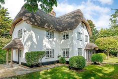 Fairy-tale cottage which inspired Goldilocks and the Three Bears goes up for sale for £1m | Daily Mail Online