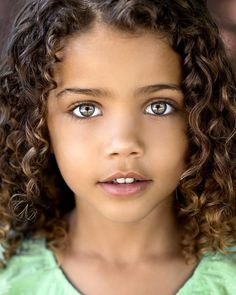 "Képtalálat a következőre: ""beautiful eyes kids"" Pretty Kids, Cute Kids, Most Beautiful Eyes, Beautiful People, Beautiful Children, Beautiful Babies, Curly Hair Styles, Natural Hair Styles, Girls Natural Hairstyles"