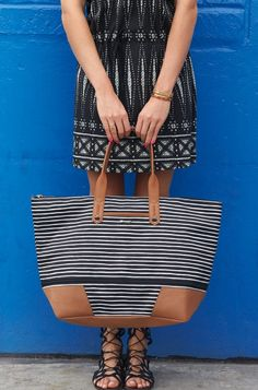 Getaway Bag in Black and Cream Stripe   Stella & Dot www.stelladot.fr/sofierrera