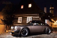 911 and a log house.....perfect