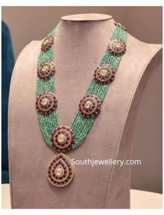 Fashion Jewelry Necklaces, Beaded Jewelry, Gold Jewelry, Fine Jewelry, Beaded Necklace, Emerald Necklace, Jewelery, Pearl Necklace, Indian Jewellery Design