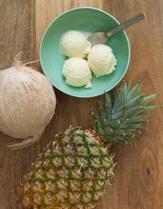 Escape to the tropics with our Pineapple Coconut ice cream! Crafted with tropical fruit, sweet cream and coconut makes it truly delectable.