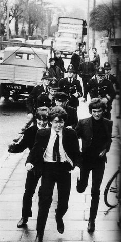 1964 - The Beatles in A Hard Day's Night film. #TheBeatles #fab4 repinned by www.powervoice.de