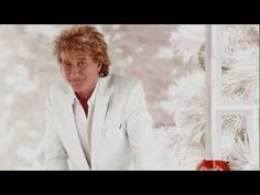 From the run away hit of the 2012 holiday season here's Rod Stewart singing from his LP Merry Christmas, Baby - ♫ Auld Lang Syne ♫