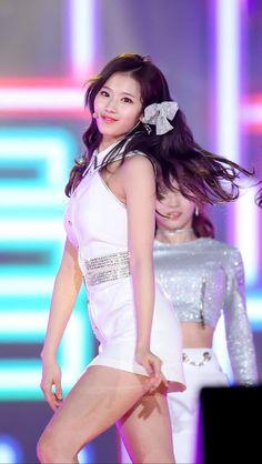 Nayeon, South Korean Girls, Korean Girl Groups, Korean Beauty, Asian Beauty, Asian Woman, Asian Girl, My Girl, Cool Girl