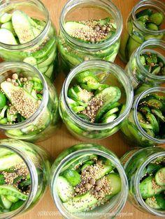 PotrawyRegionalne: OGÓRKI KANAPKOWE W SŁODKO OCTOWEJ ZALEWIE Z KURKUMĄ Pickles, Cucumber, Food, Essen, Meals, Pickle, Yemek, Zucchini, Eten