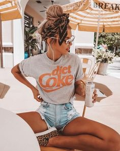 Fantastic Cost-Free 43 Summer Fashion 2019 Trends for Women Style On warm s . Fantastic Cost-Free 43 Summer Fashion 2019 Trends für Frauen Style On warm summer times, every bit of fabric on your skin is a bit too much. Much more. Classy Summer Outfits, Summer Outfit For Teen Girls, Cute Casual Outfits, Summer Outfits Women, Spring Outfits, Summer Fashion For Teens, Summer Clothes For Women, Beach Outfits, Outfit Summer
