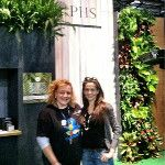 great to meet up and chit chat w/ adorable @NikiJabbour at the @subaru_life gardener's stage #FlowerShow : http://twitpic.com/8sj7yf