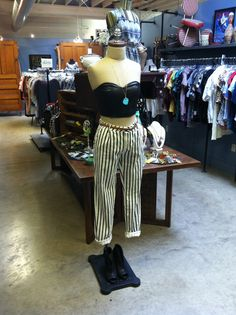 Leather cropped top and striped ankle pants :) Store Mannequins, Leather Crop Top, Cropped Top, Ankle Pants, Striped Pants, Crop Tops, Fashion, Moda, Stripped Pants