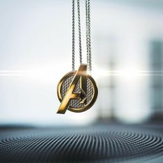 Marvel Avengers Necklace Jewelry by Whats Your Passion Jewelry Marvel Fan, Marvel Dc Comics, Marvel Avengers, Marvel Logo, Moda Marvel, Marvel Fashion, Marvel Clothes, Avengers Clothes, Accesorios Casual